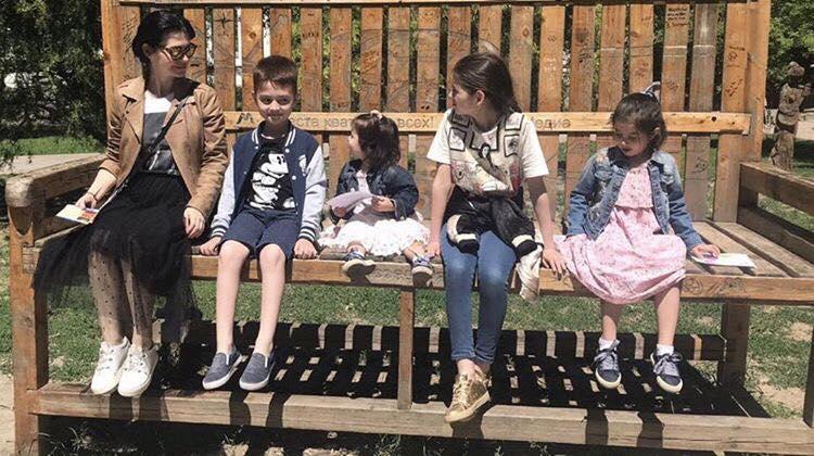 Лейла Омер с детьми