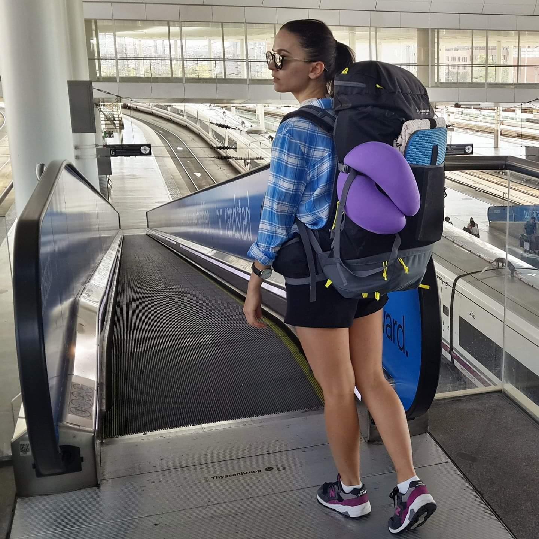 Девушка, путешественница